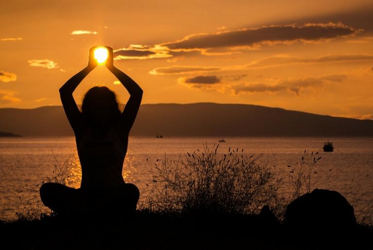 योग के इन चमत्कारिक फायदों को जानकर हो जाएंगे हैरान