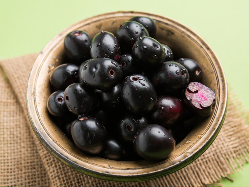 Jamun, Indian Blackberry - The 10 Best Summer Fruits To Keep Your Blood Sugar In Control
