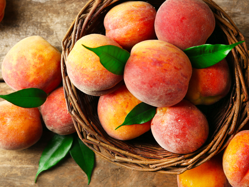 Peaches - The 10 Best Summer Fruits To Keep Your Blood Sugar In Control