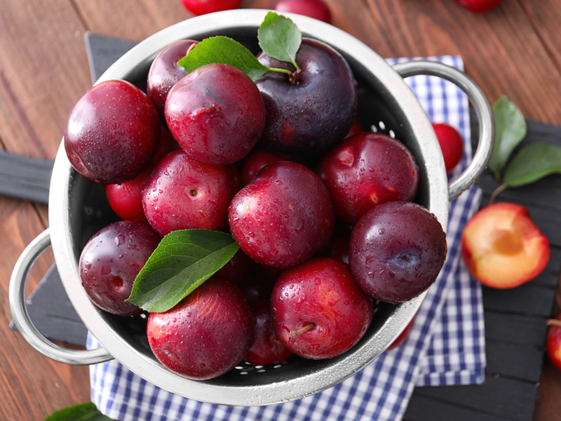 Plum - The 10 Best Summer Fruits To Keep Your Blood Sugar In Control