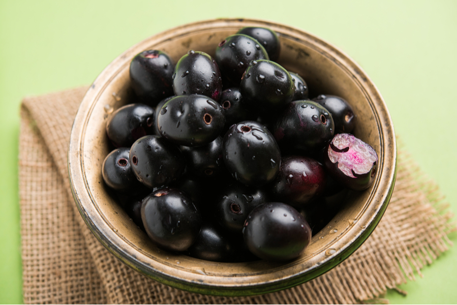Jamun - The 5 Best Rainy Season Fruits to Control Your Blood Glucose Levels